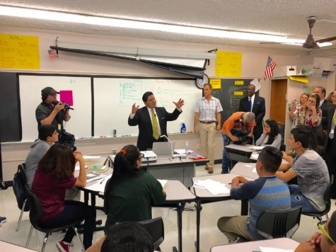 New HISD Superintendent Richard Carranza Visits Wisdom HS