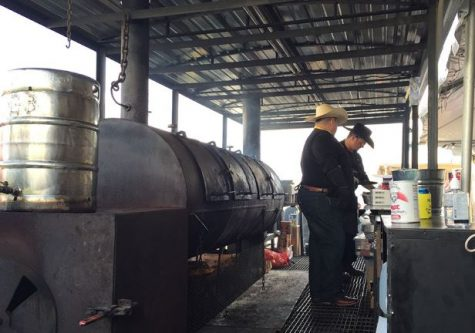 Lee High School Alum Barbecues for Charity