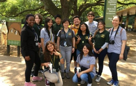 Biology Students Visit the Houston Zoo