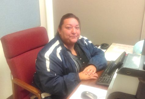 New Staff Member of the Week: Mrs. Salinas