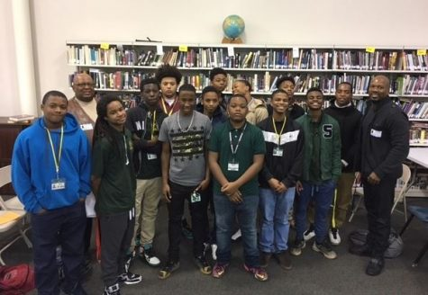 Former NFL Player Starts Mentoring Group for Wisdom Students