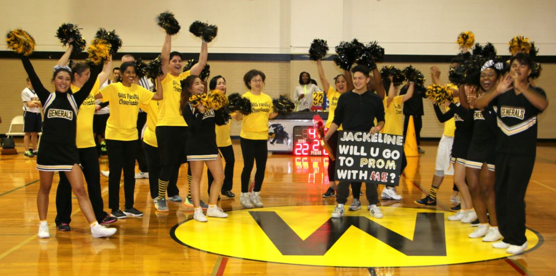 Senior Uriel Noyola asked his girlfriend Jackeline Umanzor to the Prom at halftime.